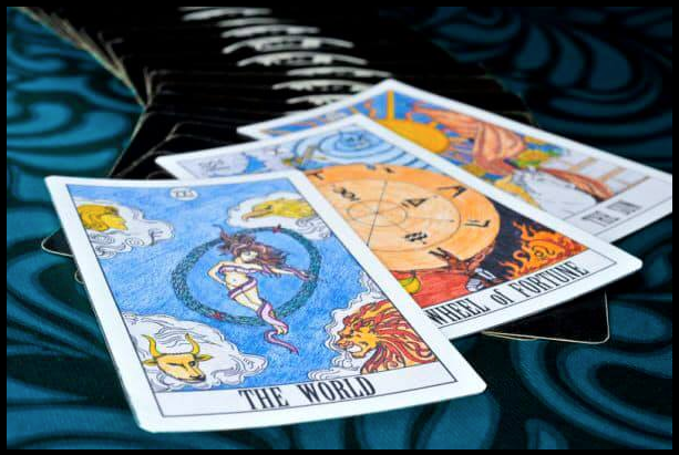 Tarot reading at Sandy Ridge